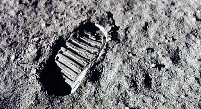 Huella en la luna de Neil Armstrong